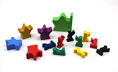 厂家定制桌游塑胶跳棋,游戏币,木偶配件